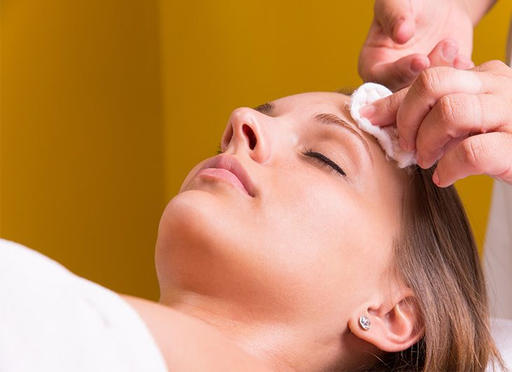 can chemical peels help with adult acne feature image